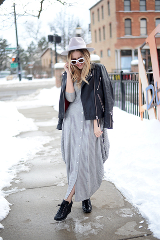 blonde bedhead blogger dress shoes jacket hat sunglasses jewels black leather jacket maxi dress grey dress