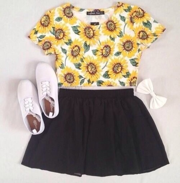 shirt sunflower yellow cute shoes white hair accessory dress blouse crop tee skater skirt sunflower shirt skirt black skirt hair bow tank top daisy things floral studded high waisted flowers t shirt flowers shorts t-shirt crop tops half shirt top daisy crop tops sunflower tumblr pretty tumblr girl plimsolls sunflower crop top black skater skirt circle skirt blumen outfit bow printed t-shirt