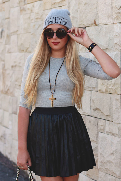 superficial girls skirt t-shirt jewels sunglasses hat bag shoes