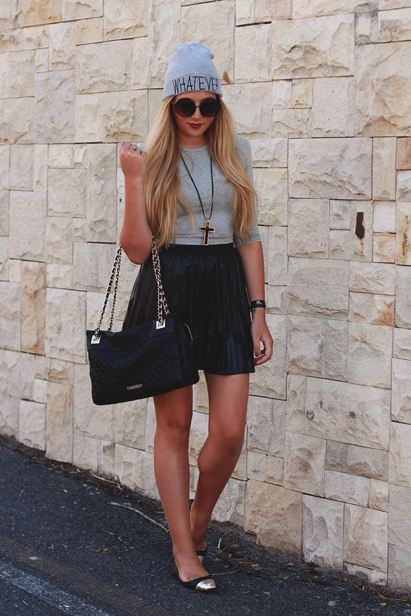 superficial girls skirt t-shirt jewels sunglasses hat bag shoes