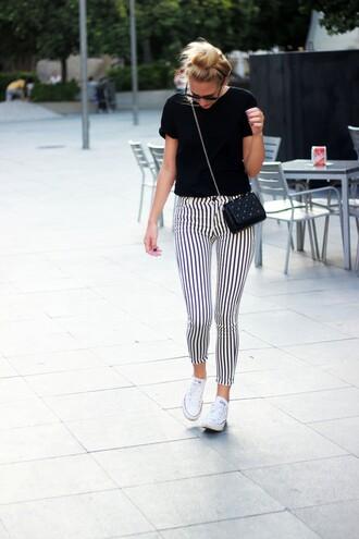 dear diary blogger t-shirt pants shoes bag