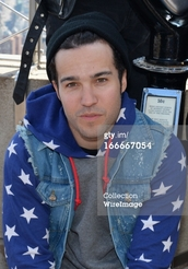 sweater,stars,red,white,blue,grey,pete wentz,fall out boy,sweatshirt,hoodie,empire state building