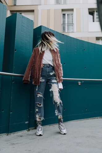 jacket velvet jacket tumblr beige beige jacket velvet top white top denim jeans blue jeans ripped jeans destroyed denim sneakers white sneakers socks ombre hair hairstyles