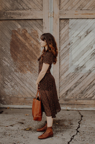 the mop top blogger shoes dress bag ankle boots boots brown boots tote bag brown leather bag brown dress fall outfits