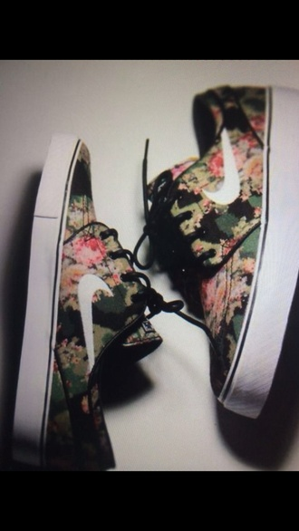 shoes floral white.