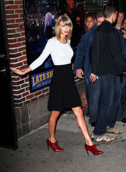 shoes skirt fall outfits taylor swift shirt