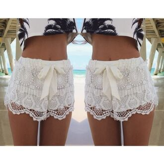 shorts white floral short dress lace white white shorts fashion shorts fashion lace shorts white lace croptop crochet shorts lace/ crochet shorts white crochet shorts