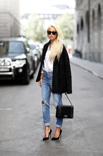 victoria tornegren blogger jacket jeans bag shoes chanel boy bag boy bag chanel bag chanel boy