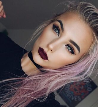 make-up fall makeup look eye makeup eyeliner eye shadow eyebrows dark lipstick lipstick pink hair choker necklace black choker necklace tumblr