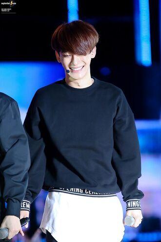 sweater jongdae chen exo kpop black kim jongdae white opening ceremony cute music kom jongdae k-pop exo m exo k