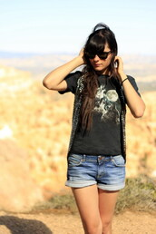 alix,the cherry blossom girl,black t-shirt,wolf,t-shirt