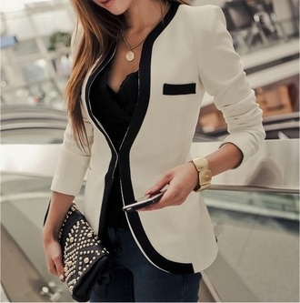 jacket blazer white blazer button up blazzer coat black white clutch clothes girly pocket jewelry bracelets collarless black and white collarless blazer professional business white jacket cream and black blazer stripes bag watch background tan and black jewels necklace one button fitted office colour blaser classy cream
