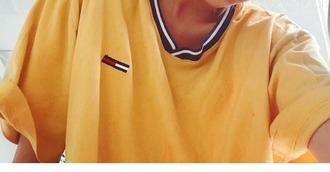 t-shirt tommy hilfiger yellow