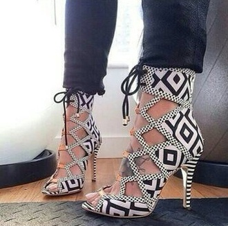 shoes shapes patters high heels straps
