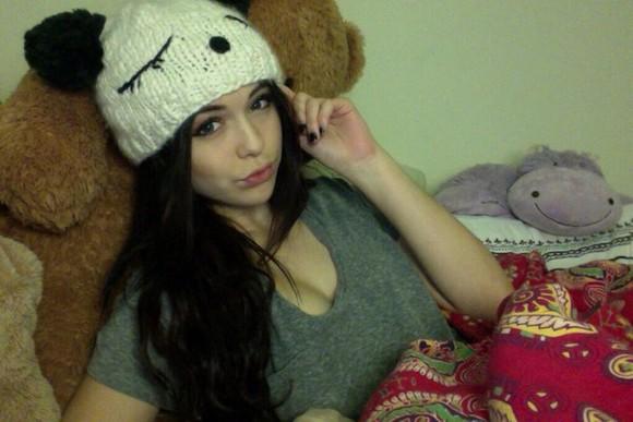 hat panda t-shirt pom pom beanie