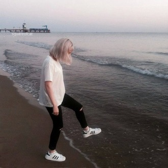 jeans aesthetic shoes adidas adidas shoes causal shoes white black running running shoes girl adidas superstars adidas originals clothes