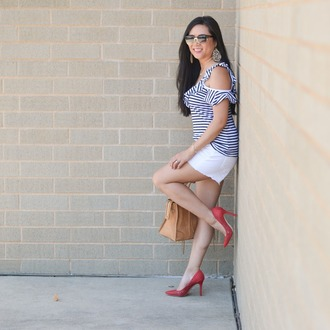 morepiecesofme blogger sunglasses jewels bag top shorts shoes striped top red heels high heel pumps summer outfits