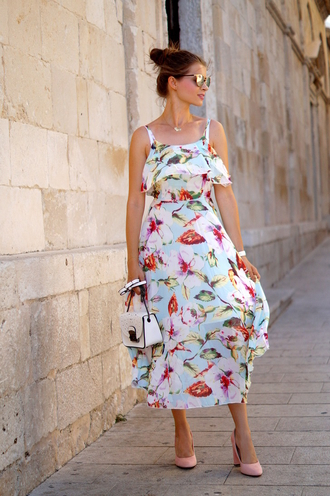 only my fashion style blogger shoes dress bag pumps pink shoes white bag midi dress floral dress summer dress summer outfits