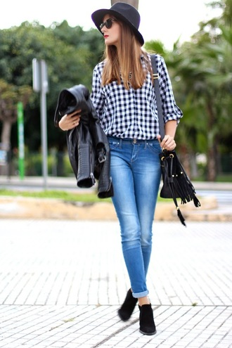 shirt jeans blogger sunglasses marilyn's closet blog fringed bag