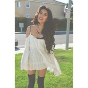 top,shirt,white,beige,loose,loose top,off the shoulder