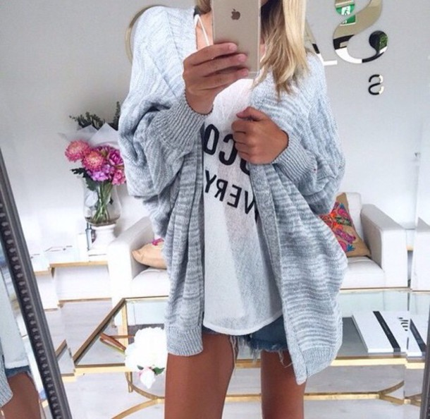 cardigan jumper grey cardigan t-shirt shorts