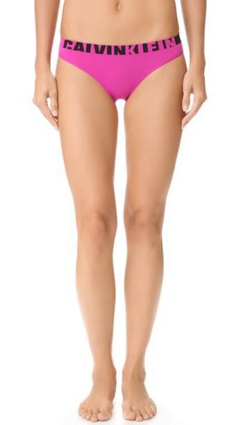 Calvin Klein Underwear Seamless Logo Bikini Panties - Striking
