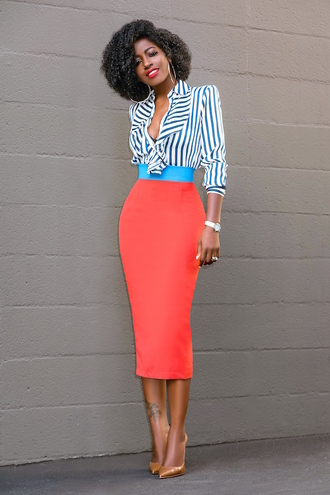 blogger shirt skirt shoes red skirt striped shirt pumps