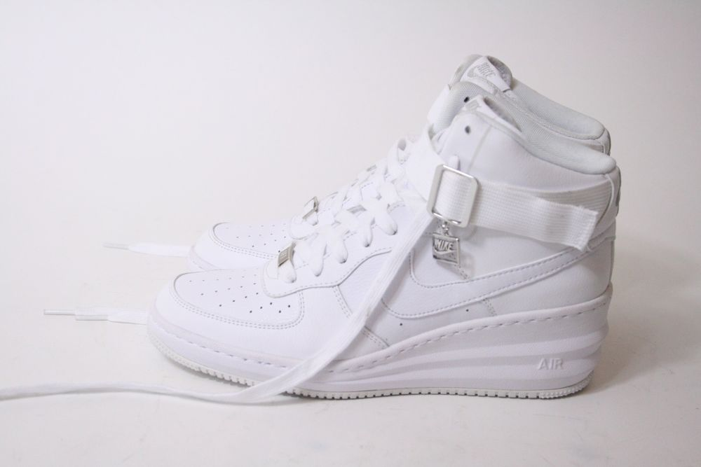 c3350b304e7 ... NIKE WOMENS LUNAR FORCE 1 SKY HI White Wedge 654848-100 Size 10 EUC ...