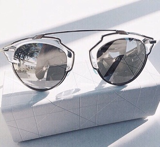 sunglasses silver sunglasses mirrored sunglasses glasses sunnies accessories accessory fashion style modern metal glass sunscreen