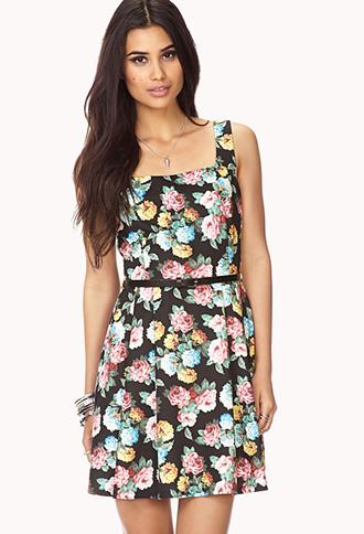Chic dress w/ belt