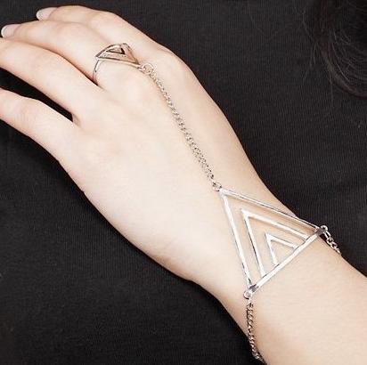 Vintage triangle bracelet ring set