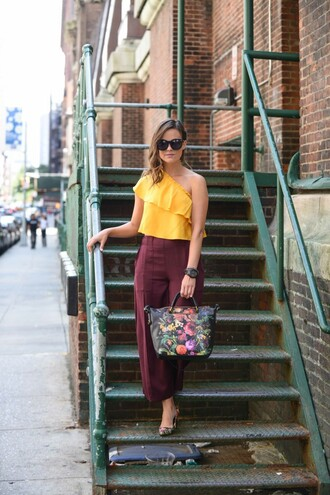 live more beautifully blogger culottes yellow top