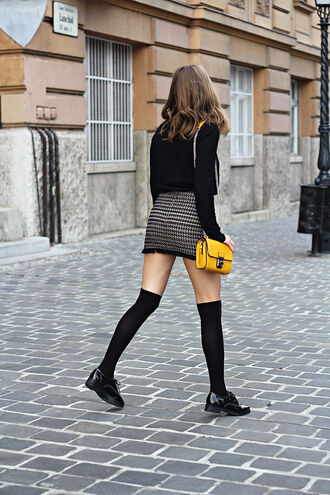 skirt tumblr mini skirt bag yellow bag top black top long sleeves over the knee knee high socks striped skirt shoes black shoes flats school girl back to school french girl style