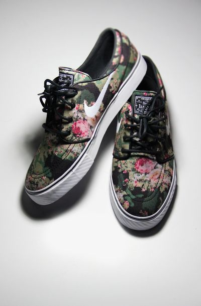 shoes nike flowers vintage floral floral girly nikes sneakers nike sb nike  sb flowers women nike c01d139750
