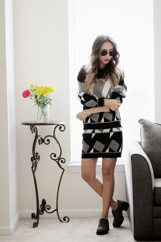 different cands blogger shoes round sunglasses sweater dress