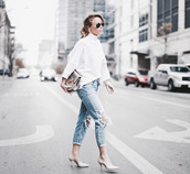 happily grey,blogger,white sweater,ripped jeans,nude high heels,oversized sweater,sweater,shoes,bag,jewels,white oversized sweater