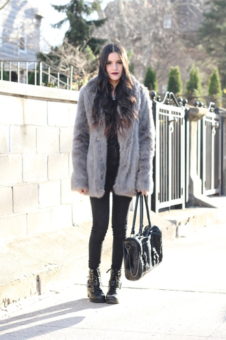 dress like jess blogger grey coat faux fur coat winter coat buckle boots