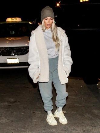 jacket pants sweatpants beanie top kim kardashian kardashians