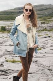 jacket,brown pants,shearling denim jacket,shearling jacket,shearling,denim jacket,blue jacket,pants,sweater,nude sweater,sunglasses,fall outfits