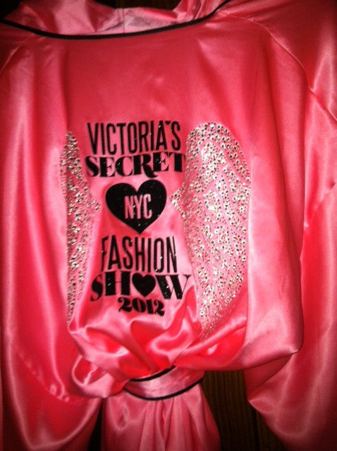 Victoria's Secret 2012 Backstage Wrap Robe Fashion Show Super Model NYC | eBay