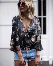 shirt,floral top,tumblr,floral,v neck,necklace,gold necklace,jewels,jewelry,belt,gucci,gucci bag,shorts,bracelets,gold jewelry,gold bracelet,round sunglasses
