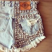 shorts,diy,diy shorts,shorts with spikes,shorts high waisted ying yang tie dye,shorts denim,191361,jeans,denim shorts,studs,studded shorts,missdenim