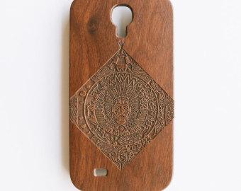 Artisanal engraved pharaoh walnut wood samsung galaxy s4 phone case