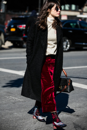 a love is blind,streetstyle,blogger,wide-leg velvet pants,cropped wide-leg velvet pants