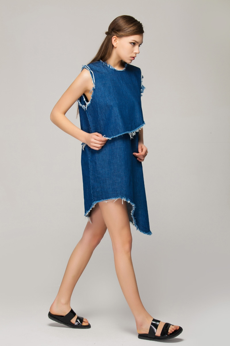 Two-pieces denim dress with raw edge