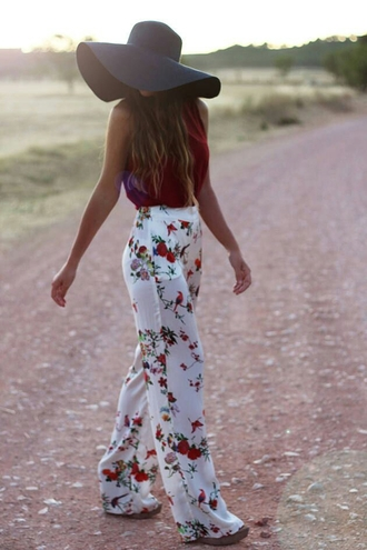 pants hat shirt white floral pants maroon top black hat heels floral birds print wide gorgoues long floppy hat cute floral pants sheer pants white palazzo pants boho white floral wide-leg pants lounge shorts