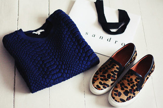 dark blue shoes navy sweater sweatpants blue sweater navy sweater sweater/sweatshirt panter print panthere brown shoes flat flat shoes