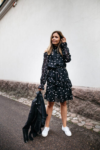 dress tumblr midi dress stars long sleeves long sleeve dress sneakers white sneakers low top sneakers shoes