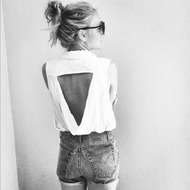 blouse triangle white blouse t-shirt clothes brand shirt vintage top denim shorts tank top cut-out backless tank white tank top jeans lace cute cut-out white too open back white shirt open back shirt openback cutout blouse edgy summer outfits iluminati triangle top blanc dos nu manche courte col summer top white top