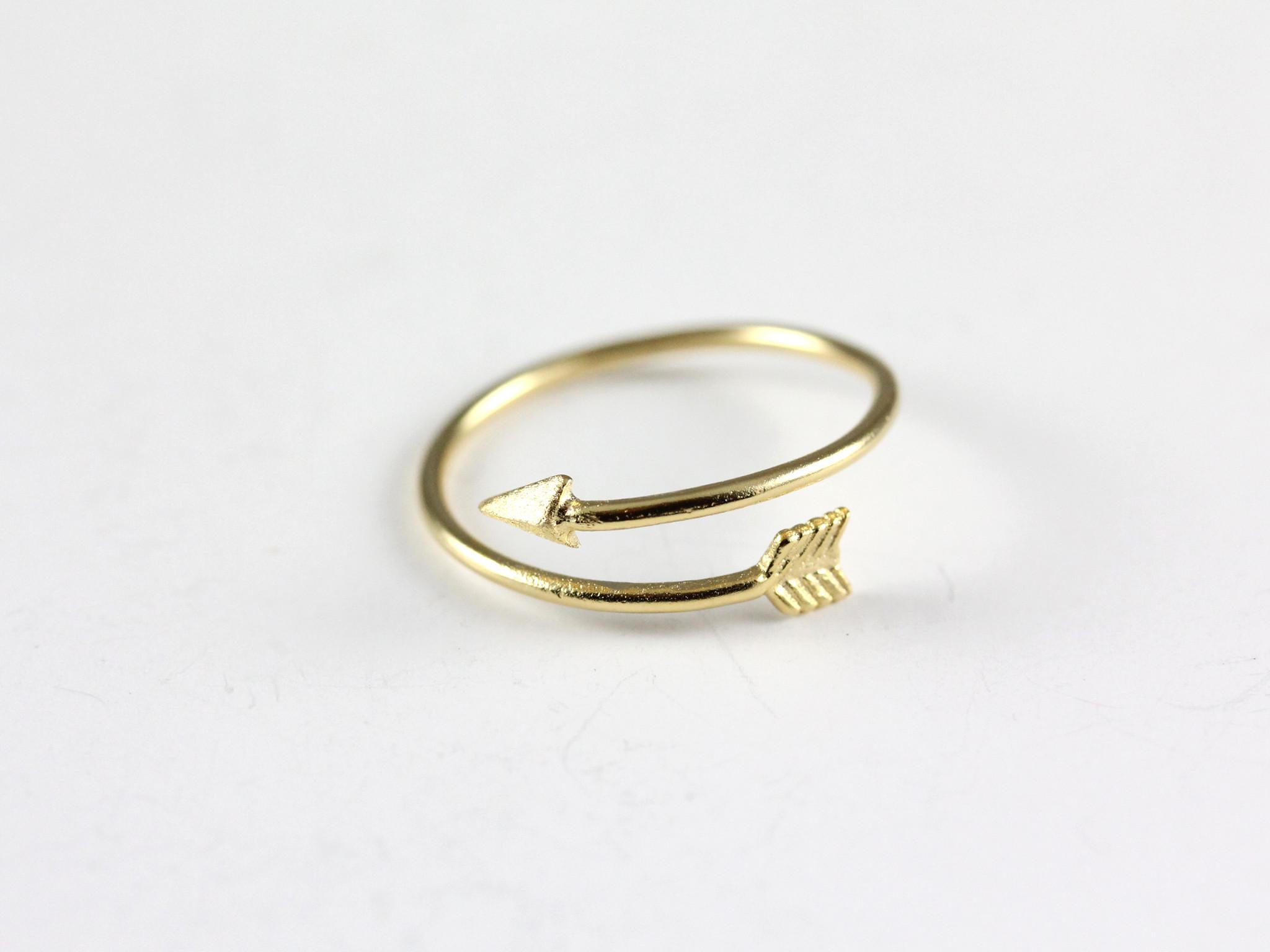 Arrow ring – hello miss apple